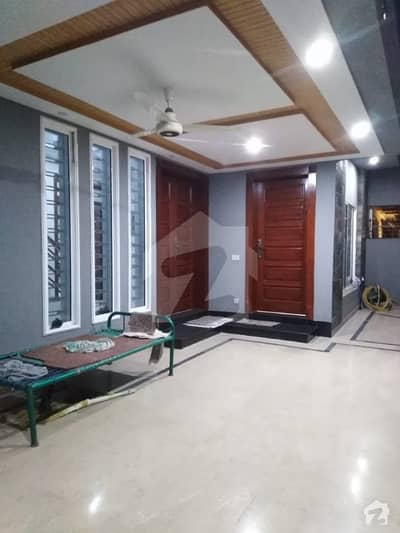A House Of 2250  Square Feet In Madina Town