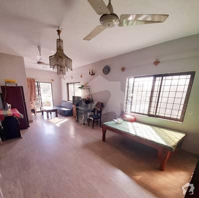 کلفٹن ۔ بلاک 2 کلفٹن کراچی میں 6 کمروں کا 12 مرلہ مکان 6.5 کروڑ میں برائے فروخت۔