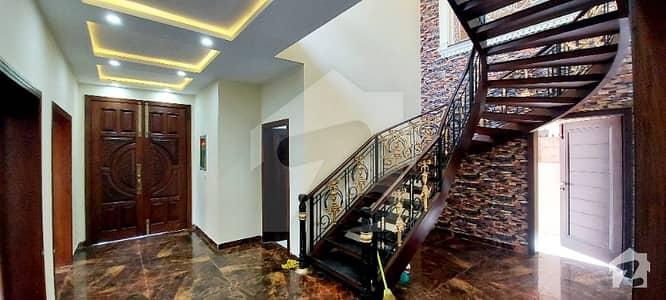 اسٹیٹ لائف ہاؤسنگ فیز 1 اسٹیٹ لائف ہاؤسنگ سوسائٹی لاہور میں 5 کمروں کا 1 کنال مکان 4.4 کروڑ میں برائے فروخت۔