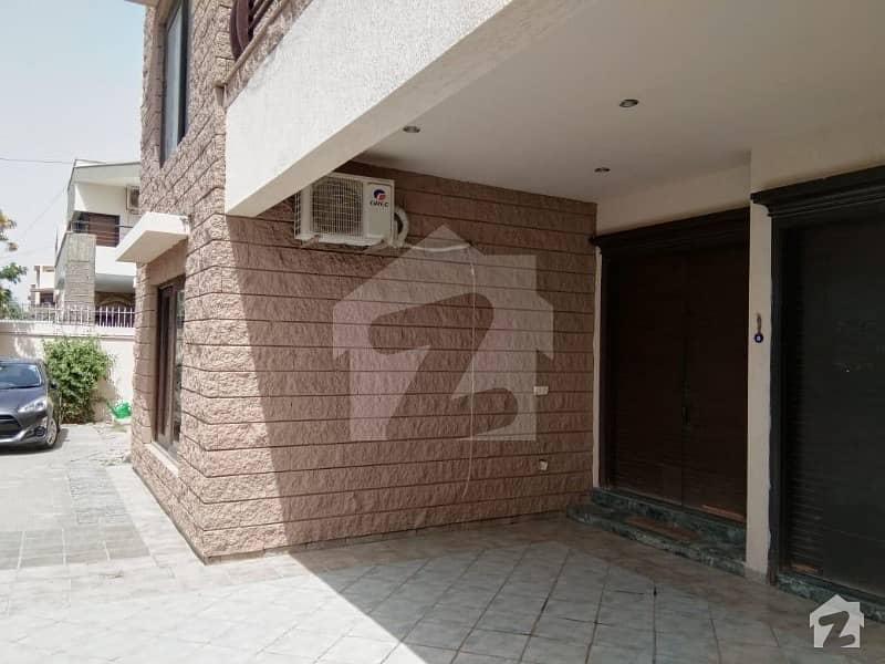 ڈی ایچ اے فیز 7 ڈی ایچ اے کراچی میں 6 کمروں کا 1 کنال مکان 9 کروڑ میں برائے فروخت۔
