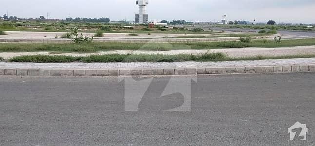 ڈی ایچ اے فیز9 پریزم - بلاک ایف ڈی ایچ اے فیز9 پریزم ڈی ایچ اے ڈیفینس لاہور میں 1 کنال رہائشی پلاٹ 1.5 کروڑ میں برائے فروخت۔