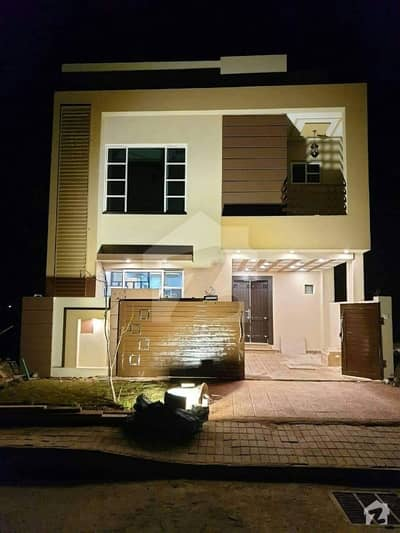 5.5 Marla Brand New House Available For Sale On B/w Beautiful Loction