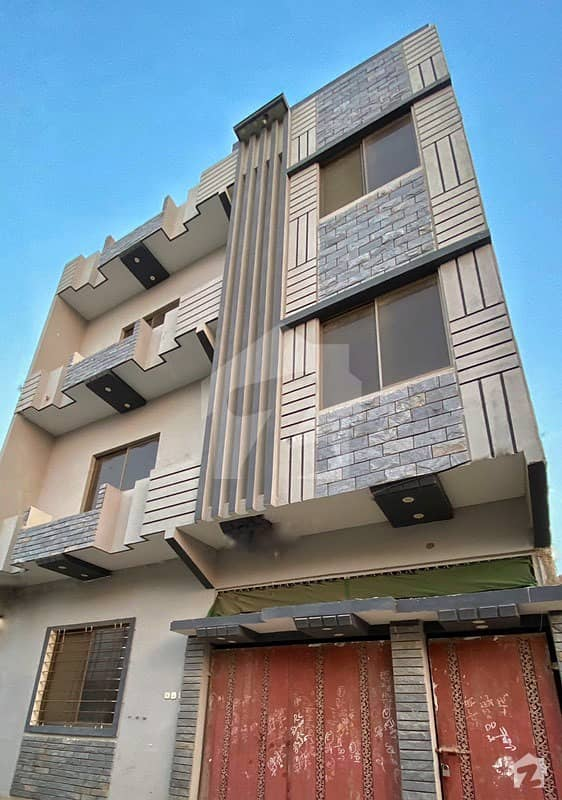 200 Sq Yards Triple Storey House In Qasimabad Near London Town