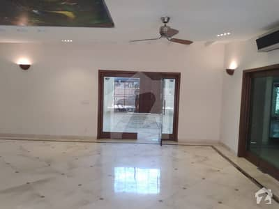 ڈی ایچ اے فیز 2 ڈیفنس (ڈی ایچ اے) لاہور میں 5 کمروں کا 2 کنال مکان 4.9 لاکھ میں کرایہ پر دستیاب ہے۔