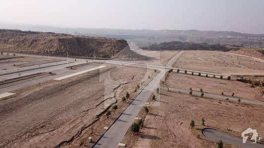 ڈی ایچ اے ویلی - ڈیفوڈِلز سیکٹر ڈی ایچ اے ویلی ڈی ایچ اے ڈیفینس اسلام آباد میں 8 مرلہ کمرشل پلاٹ 95 لاکھ میں برائے فروخت۔
