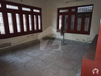 سٹیڈیم روڈ سرگودھا میں 6 کمروں کا 1 کنال مکان 3.55 کروڑ میں برائے فروخت۔