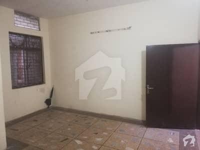 تاجپورہ لاہور میں 2 کمروں کا 4 مرلہ مکان 25 ہزار میں کرایہ پر دستیاب ہے۔