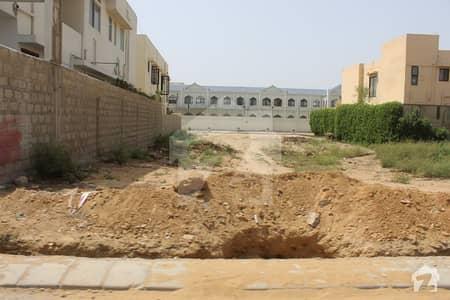 ڈی ایچ اے فیز 8 ڈی ایچ اے کراچی میں 2 کنال رہائشی پلاٹ 9.5 کروڑ میں برائے فروخت۔
