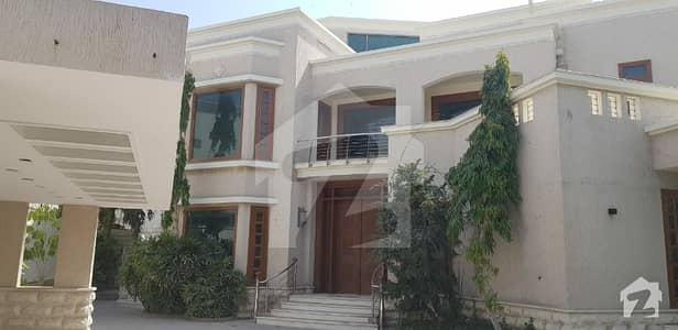 کلفٹن ۔ بلاک 2 کلفٹن کراچی میں 2 کنال مکان 13 لاکھ میں کرایہ پر دستیاب ہے۔