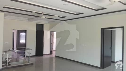 12 Marla 5 Bedrooms  House For Sale in Askari 3 Lahore Cant.
