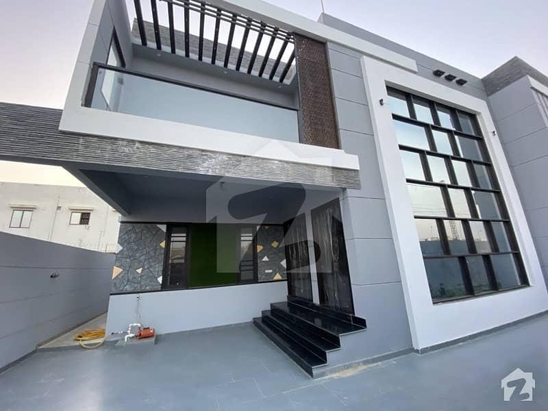 ڈی ایچ اے فیز 7 ڈی ایچ اے کراچی میں 8 کمروں کا 1 کنال مکان 9.5 کروڑ میں برائے فروخت۔