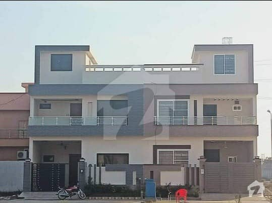 Brand New Lavish 5 Marla Town House For Sale In Dc Colony Rahwali Cantt