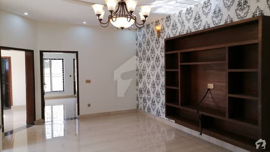 10 Marla Brand New Spanish House Facing Park For Sale Nect To 100 Foot Main Boulevard