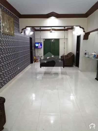 نشتر روڈ (لارنس روڈ) کراچی میں 4 کمروں کا 8 مرلہ فلیٹ 2.3 کروڑ میں برائے فروخت۔