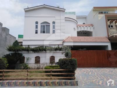 12 Marla Beautiful Owner Built House For Sale In E-11 Multi Professional