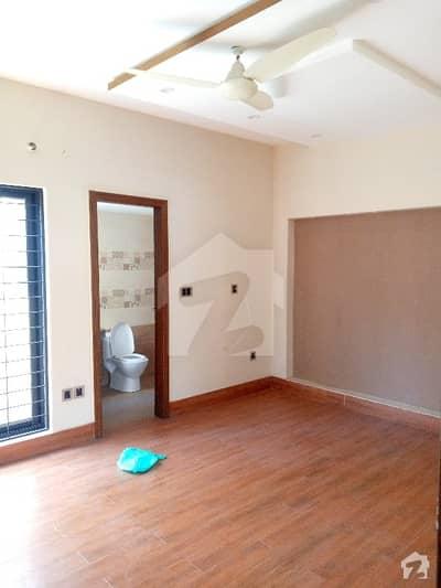 اسٹیٹ لائف ہاؤسنگ سوسائٹی لاہور میں 3 کمروں کا 5 مرلہ مکان 43 ہزار میں کرایہ پر دستیاب ہے۔