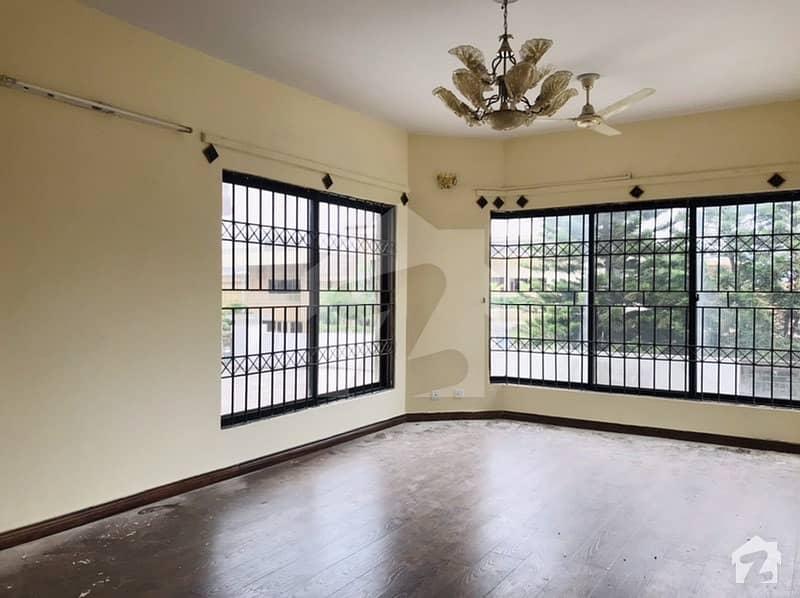 ایف ۔ 10 اسلام آباد میں 6 کمروں کا 1 کنال مکان 9.5 کروڑ میں برائے فروخت۔