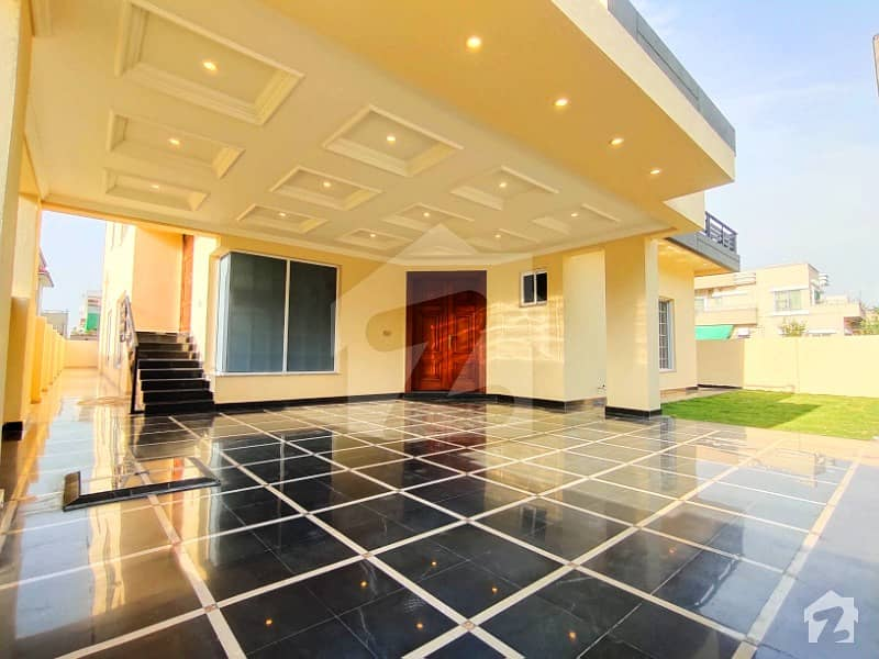 1 Kanal Aesthetic Design Bungalow Up For Sale