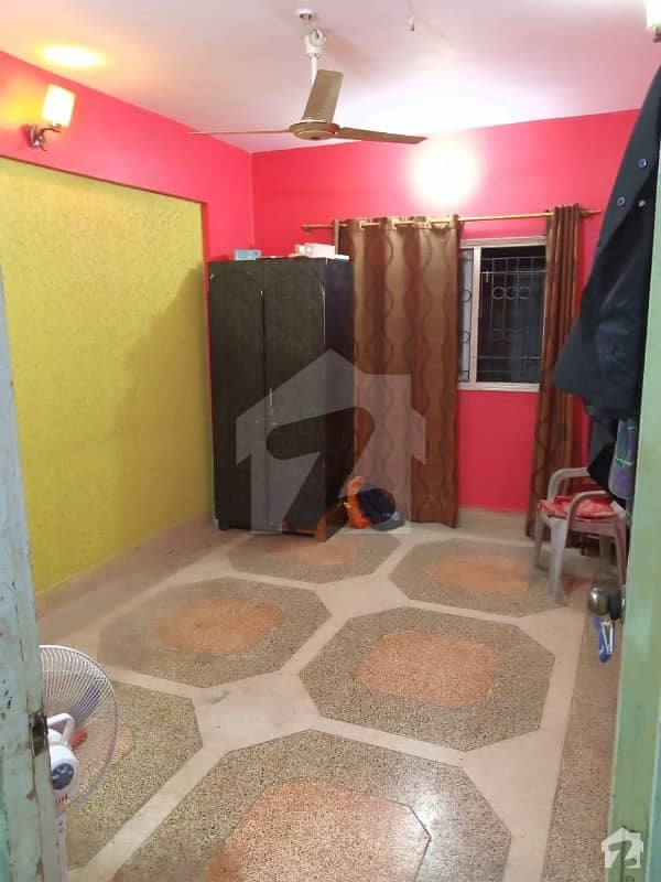 1059  Square Feet Flat Up For Sale In Lyari Town