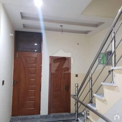 موہلنوال لاہور میں 4 کمروں کا 3 مرلہ مکان 85 لاکھ میں برائے فروخت۔