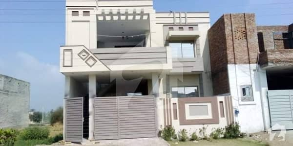 1575  Square Feet House Ideally Situated In Bahawalpur Bypass