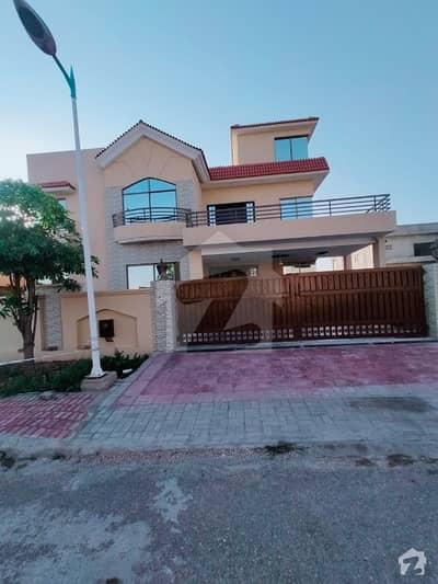 بحریہ ٹاؤن فیز 8 ۔ بلاک اے بحریہ ٹاؤن فیز 8 بحریہ ٹاؤن راولپنڈی راولپنڈی میں 6 کمروں کا 1 کنال مکان 1.5 لاکھ میں کرایہ پر دستیاب ہے۔