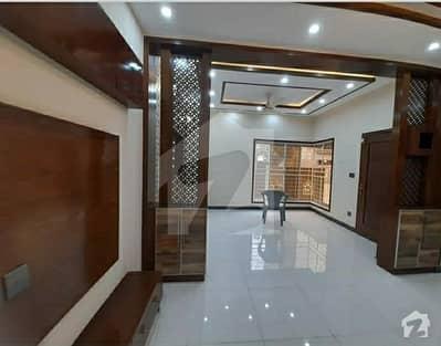 پاک عرب ہاؤسنگ سوسائٹی لاہور میں 1 کمرے کا 6 مرلہ زیریں پورشن 26 ہزار میں کرایہ پر دستیاب ہے۔