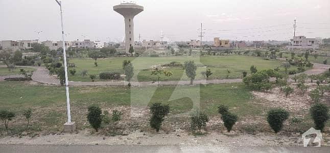 بینکرس ایوینیو کوآپریٹو ہاؤسنگ سوسائٹی لاہور میں 5 کمروں کا 18 مرلہ مکان 2.2 کروڑ میں برائے فروخت۔