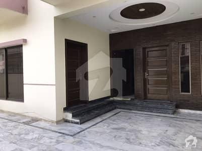 ایف ۔ 11 اسلام آباد میں 5 کمروں کا 10 مرلہ مکان 5.25 کروڑ میں برائے فروخت۔