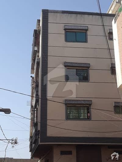 پی آئی بی کالونی کراچی میں 2 کمروں کا 3 مرلہ فلیٹ 55 لاکھ میں برائے فروخت۔
