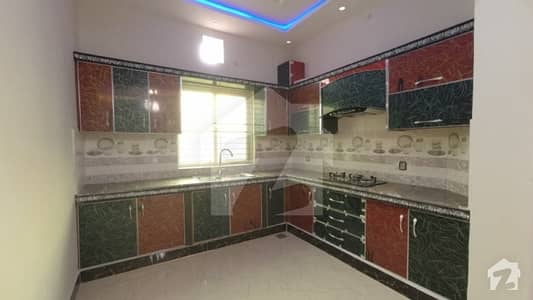 سینٹرل پارک ہاؤسنگ سکیم لاہور میں 5 کمروں کا 10 مرلہ مکان 1.69 کروڑ میں برائے فروخت۔