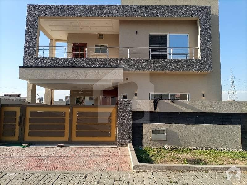 بحریہ ٹاؤن فیز 8 ۔ بلاک ایچ بحریہ ٹاؤن فیز 8 بحریہ ٹاؤن راولپنڈی راولپنڈی میں 5 کمروں کا 10 مرلہ مکان 2.5 کروڑ میں برائے فروخت۔
