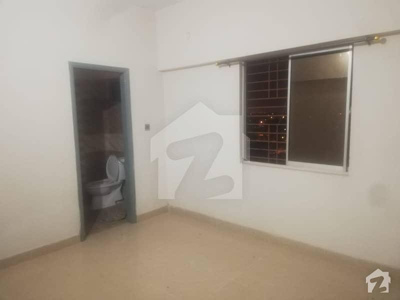گلشنِ اقبال - بلاک 3 گلشنِ اقبال گلشنِ اقبال ٹاؤن کراچی میں 2 کمروں کا 3 مرلہ فلیٹ 65 لاکھ میں برائے فروخت۔