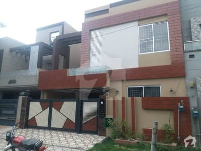 10 Marla Like New House For Rent In Bahria Town Lahore
