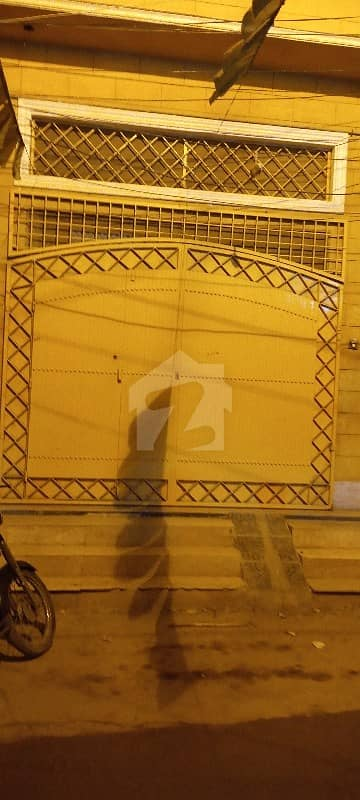 محمود آباد کراچی میں 3 کمروں کا 6 مرلہ بالائی پورشن 32 ہزار میں کرایہ پر دستیاب ہے۔