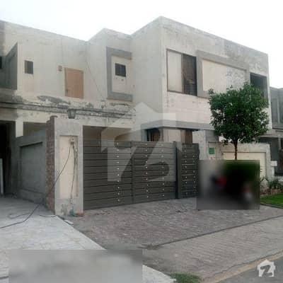 لاہور موٹر وے سٹی ۔ بلاک آر لاھور موٹروے سٹی لاہور میں 4 کمروں کا 7 مرلہ مکان 82 لاکھ میں برائے فروخت۔