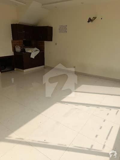 بحریہ ٹاؤن ۔ بلاک اے اے بحریہ ٹاؤن سیکٹرڈی بحریہ ٹاؤن لاہور میں 1 کمرے کا 2 مرلہ پینٹ ہاؤس 16 ہزار میں کرایہ پر دستیاب ہے۔