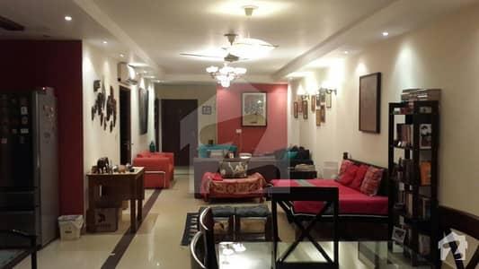 رحمان گارڈنز لاہور میں 3 کمروں کا 8 مرلہ فلیٹ 1.14 کروڑ میں برائے فروخت۔