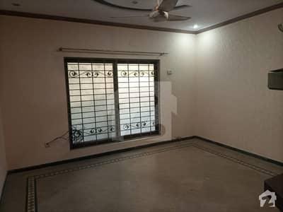 طارق گارڈنز لاہور میں 6 مرلہ مکان 55 ہزار میں کرایہ پر دستیاب ہے۔