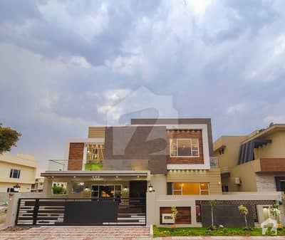 Elegant One Kanal House For Sale At Very Prime Location