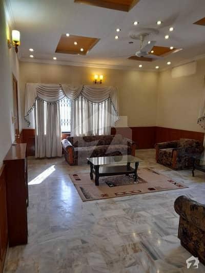 ایف ۔ 10/4 ایف ۔ 10 اسلام آباد میں 6 کمروں کا 1.07 کنال مکان 9.5 کروڑ میں برائے فروخت۔