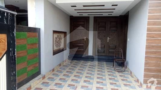بحریہ ٹاؤن جناح بلاک بحریہ ٹاؤن سیکٹر ای بحریہ ٹاؤن لاہور میں 3 کمروں کا 5 مرلہ مکان 55 ہزار میں کرایہ پر دستیاب ہے۔