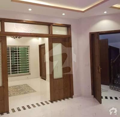 8 Marla Brand New House Available For Rent