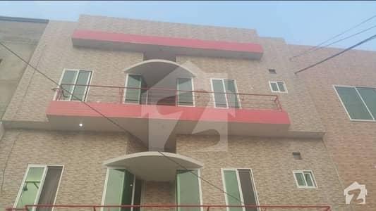 پی جی ای سی ایچ ایس فیز 1 پنجاب گورنمنٹ ایمپلائیز سوسائٹی لاہور میں 2 کمروں کا 3 مرلہ فلیٹ 22 ہزار میں کرایہ پر دستیاب ہے۔
