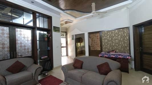 10 Marla House In The Heart Of Johar Town Near Al Jannat Marriage Hall