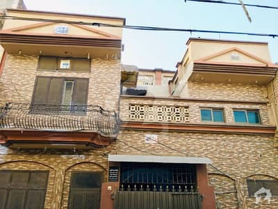 علی ہاؤسنگ کالونی فیصل آباد میں 6 کمروں کا 5 مرلہ مکان 90 لاکھ میں برائے فروخت۔