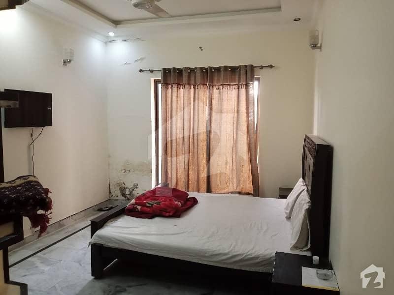 ای ۔ 11/2 ای ۔ 11 اسلام آباد میں 5 کمروں کا 9 مرلہ مکان 4.75 کروڑ میں برائے فروخت۔