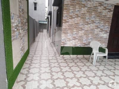 بحریہ ٹاؤن اقبال بلاک بحریہ ٹاؤن سیکٹر ای بحریہ ٹاؤن لاہور میں 5 کمروں کا 10 مرلہ مکان 85 ہزار میں کرایہ پر دستیاب ہے۔