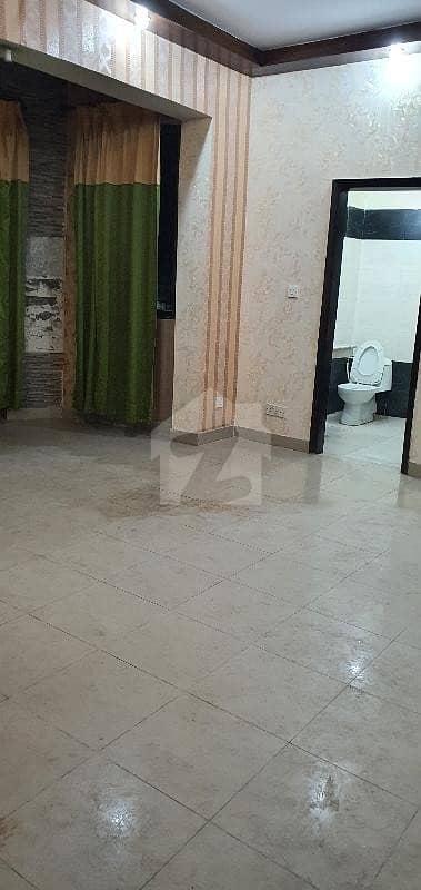 جی ۔ 11/4 جی ۔ 11 اسلام آباد میں 2 کمروں کا 4 مرلہ فلیٹ 1.15 کروڑ میں برائے فروخت۔