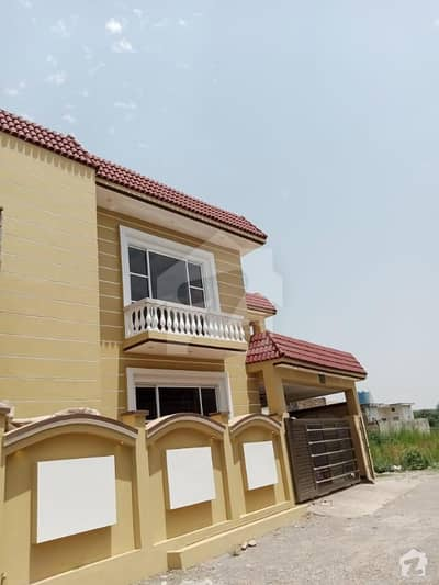 10 Marla Unique And Freshly Built Double Portion House Up For Sale!